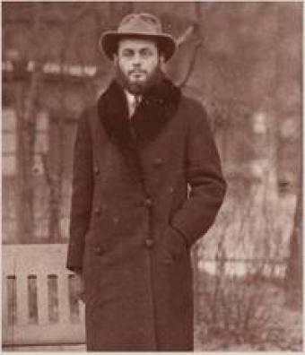 מנחם-מנדל שניאורסון, הרבי מלובביץ ה- 7, פריז 1937