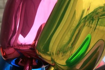 Tommy Pützstück, Spiegelung in den Tulpen von Jeff Koons vor dem Guggenheim Museum in Bilbao
