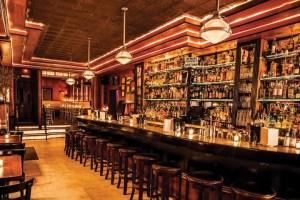 O cocktail Lounge do Pravda