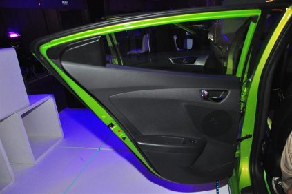Hyundai Veloster - 040