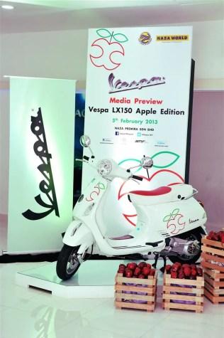 Vespa LX150 Apple Edition - 10