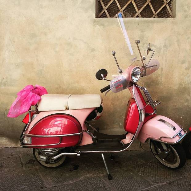 All pink scooter vespa