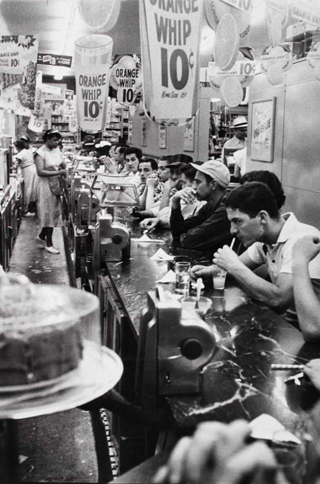Robert Frank -- Drugstore, Detroit -- 1955