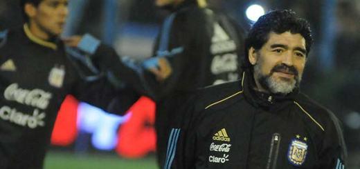 Diego Maradona vivó con intensidad el duelo disputado en Cutral Có