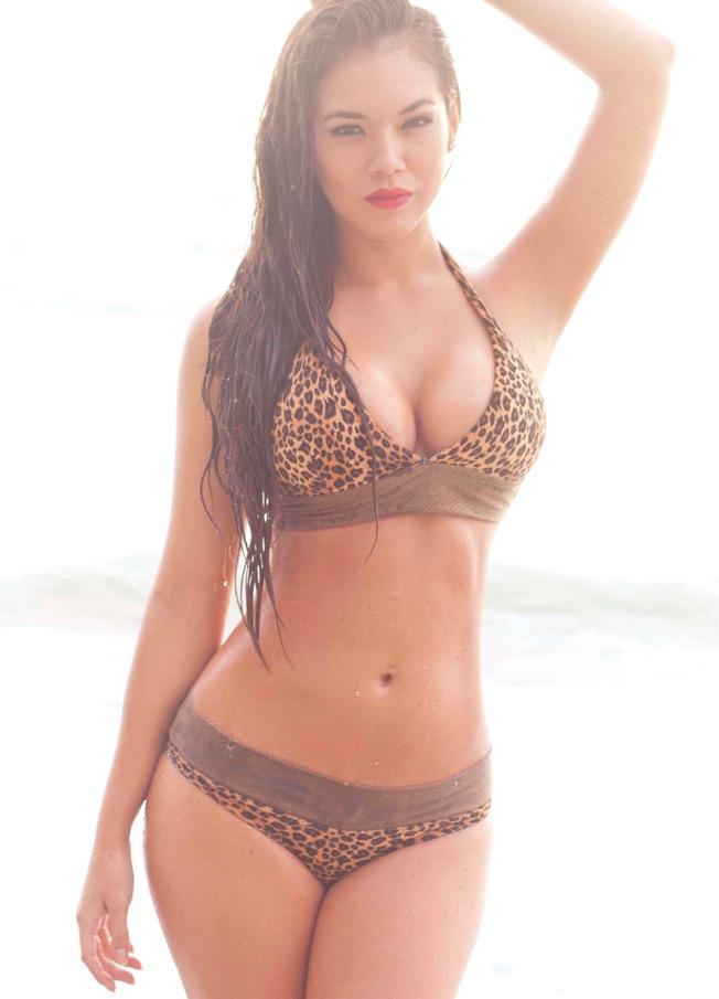 Jazmín Pinedo sexy en Bikini (3)