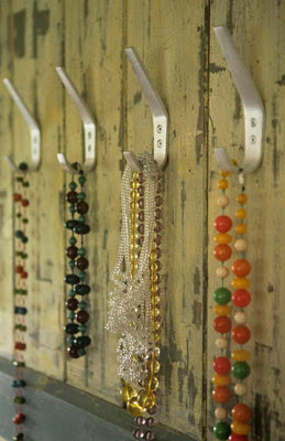 Coat hooks hanging jewellery necklaces L etc 02/2007 pub orig real home