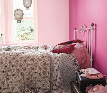 kids-bedroom-with-pink-on-the-walls