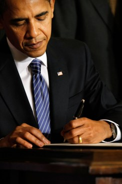 "U.S. President Barack Obama signs an Executive Order reversing the U.S. government's ban on funding stem-cell research during a ceremony in the East Room of the White House March 9, 2009 in Washington, DC. Obama also signed a Presidential Memorandum pledging that the new administration ""base our public policies on the soundest science; that we appoint scientific advisors based on their credentials and experience, not their politics or ideology.""  (Photo by Chip Somodevilla/Getty Images) *** Local Caption *** Barack Obama"