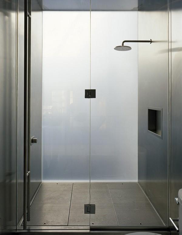 Shower ©Paul Warchol