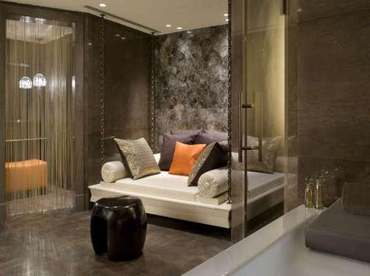 VIP treatment Jacuzzi Lounge
