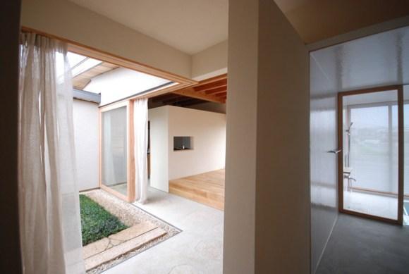 Living from Japanese-style room (Image Courtesy Mitsutomo Matsunami)