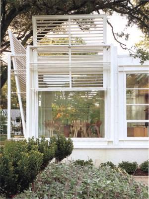 Exterior View (Images Courtesy Paul Warchol)