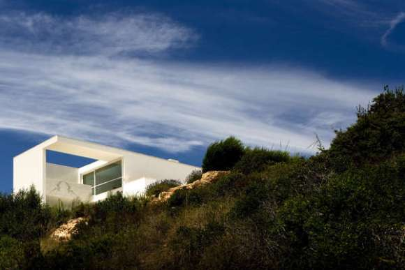 House in Martinhal (Image Courtesy Fernando & Sérgio Guerra)