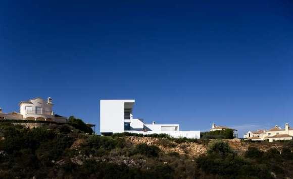 Far View (Image Courtesy Fernando & Sérgio Guerra)