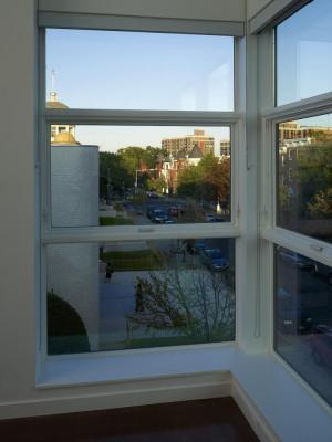 Interior corner windows (Image Courtesy Alan Karchmer)