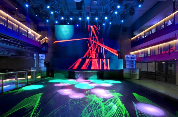 Folding LED Panel back screen (Image Courtesy Namgoong Sun)