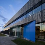 Exterior View (Images Courtesy Stéphane Groleau (photos de projet) Laurence Labat (photos d'associés))