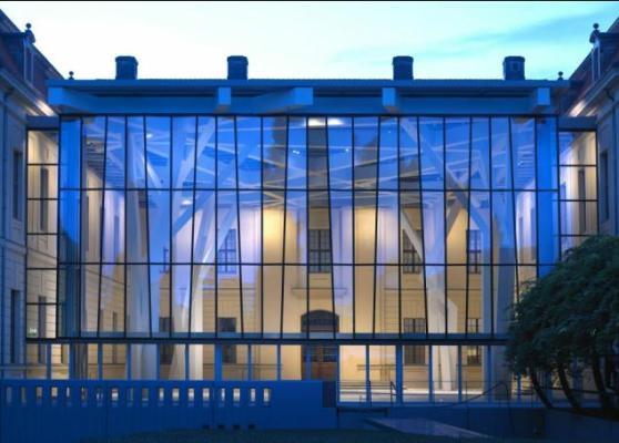 The Glass facade shimmers at evening light(c) JMB photo.Jens Ziehe, berlin