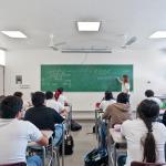 Classroom interior : Image Courtesy Taller Veinticuatro