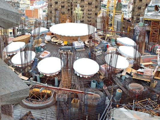 Sagrada Familia's roof under construction (2009) : Image Courtesy Antoni Gaudi