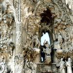 The façade : Image Courtesy Antoni Gaudi