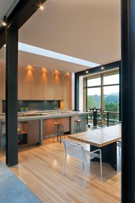 Kitchen and dining areas, Image Courtesy © Carlton Architecture + DesignBuild