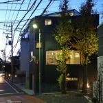 Exterior night view, photo © Shinsuke Kera/Urban Arts