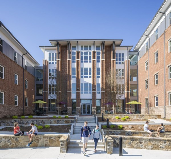 The Towers at Young Harris College consists of three pavilions. Tower B, located in the middle, is three residential stories over a lobby/reception level with common areas utilized by students in all the pavilions.,Image Courtesy © Jonathan Hillyer