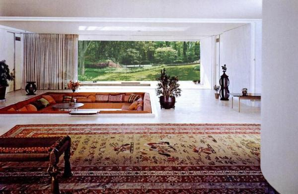 Eero Saarinen's Miller House as experienced on the property., Image Courtesy ©  REX