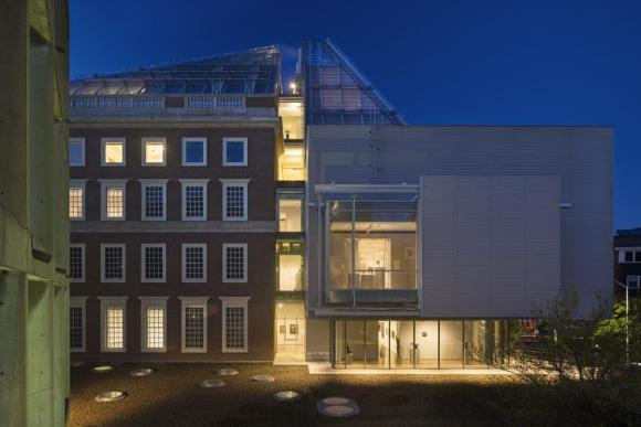 Exterior view by night from Carpenter Center  September 2014, Image Courtesy © Ph. Nic Lehoux