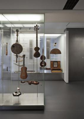Floating instruments, Image Courtesy © Laura Stamer