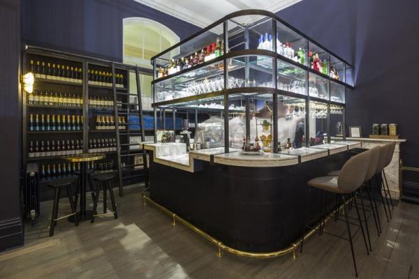 Main Bar, Image Courtesy © Gareth Gardner