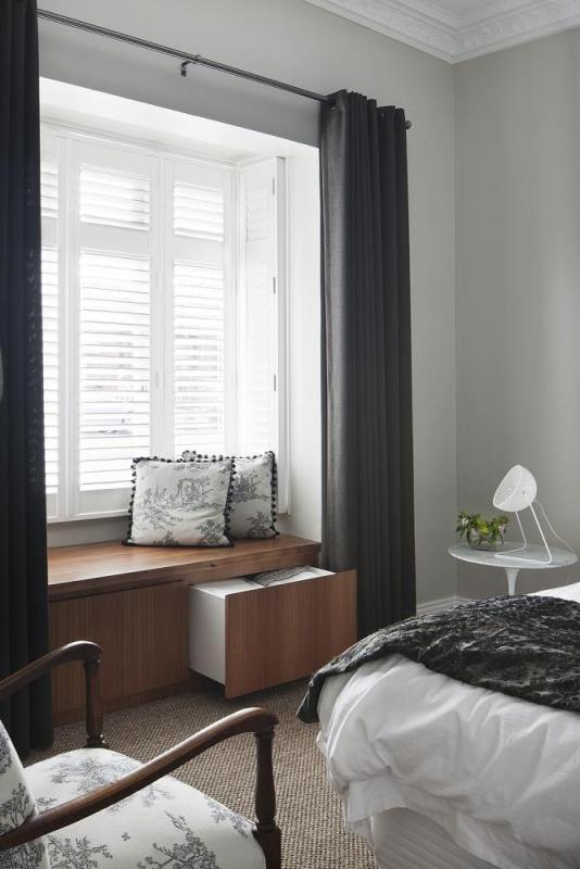 Bedroom fitted with timber veneer joinery, Image Courtesy © STEFFEN WELSCH ARCHITECTS