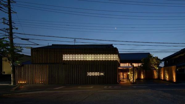 Façade.(nighttime), Image Courtesy © Yasutake Kondo
