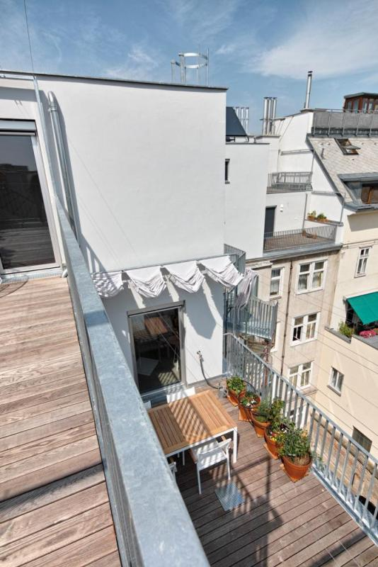 several terraces per dwelling unit, Image Courtesy © Roland Krauss