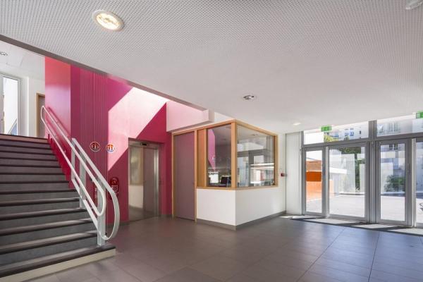 THE NEW SCHOOL'S WALK-THROUGH LOBBY , Image Courtesy © Sergio GRAZIA
