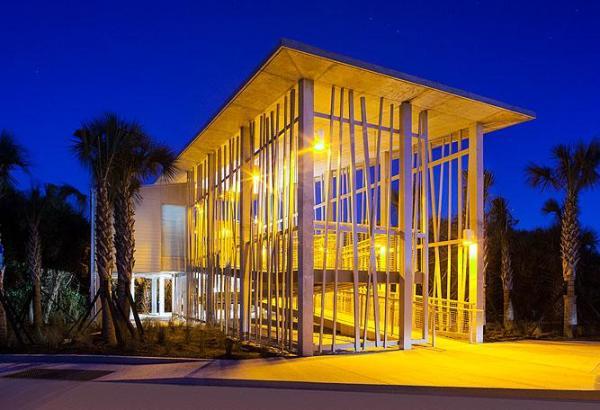 Image Courtesy © Sweet Sparkman Architects