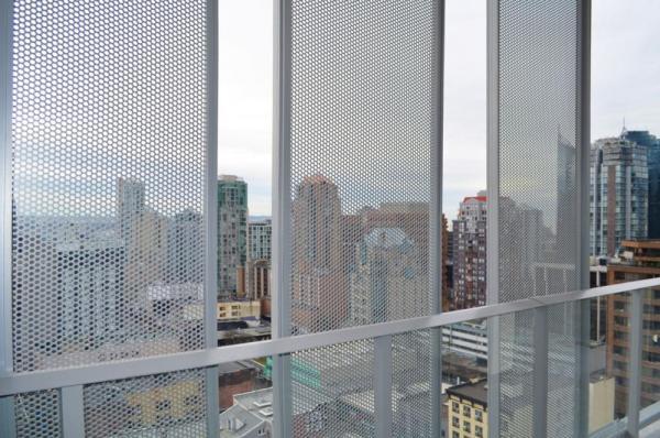 sliding screens, Image Courtesy © Michael Elkan