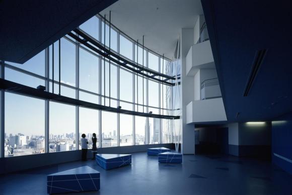 Student Lounge on 21st floor, Image Courtesy © Koji Horiuchi