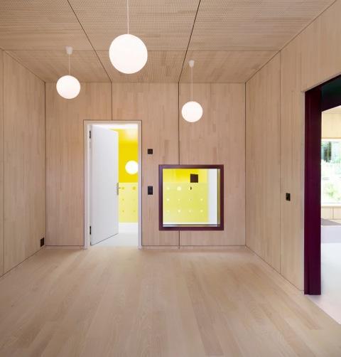 cozy group room, Image Courtesy © Christian Senti