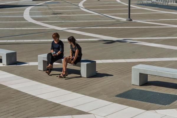Valle Architetti Associati. Piazza Gino Valle, Portello, Milan, Italy, Photo by Hanns Joostens (courtesy Topotek 1)