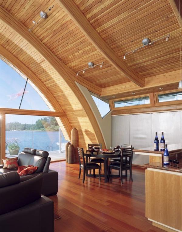 The Dining area looking out towards the river, Image Courtesy © Robert Harvey Oshatz, Architect