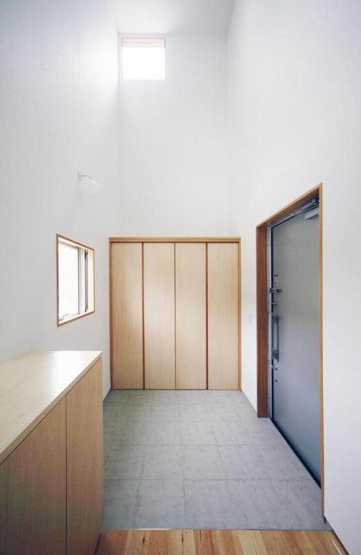 view entrance hall, Image Courtesy © Shuhei goto architects