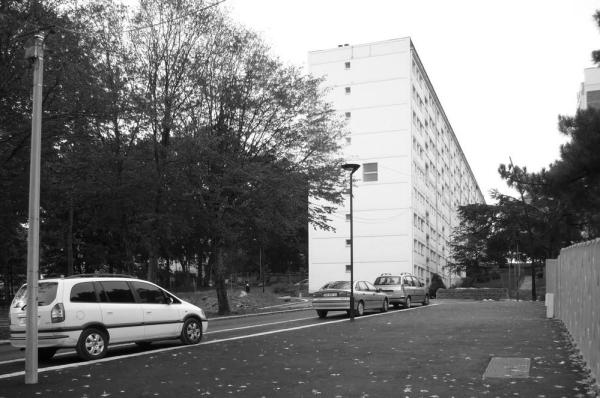 Building before demolition and rehabilitation rue A. Renoir, Image Courtesy © Jacques Boucheton Architectes