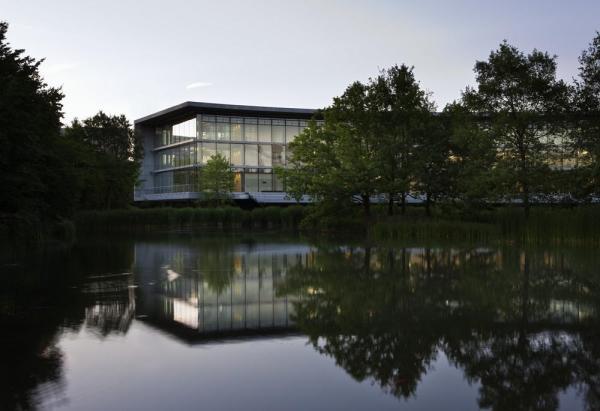 Image Courtesy © H.G. Esch/ingenhoven architects