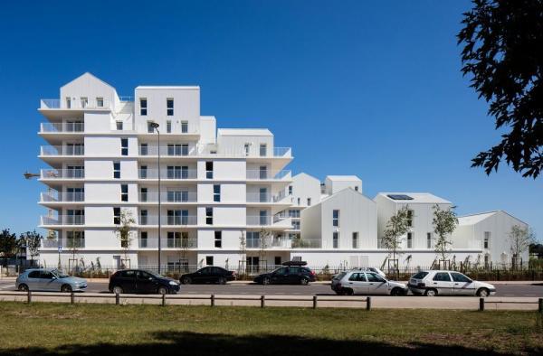 Image Courtesy © Marjan Hessamfar & Joe Vérons architectes associés