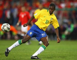 http://i2.wp.com/www3.pictures.zimbio.com/gi/Brazil+v+Egypt+FIFA+Confederations+Cup+hu_0y267oUYl.jpg?resize=257%2C201