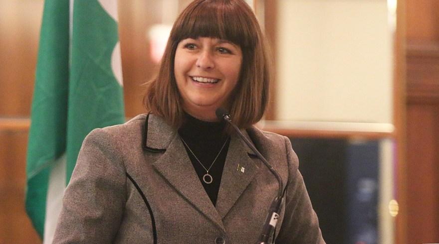 Marie-France Lalonde, ministre déléguée aux Affaires francophones de l'Ontario.  Archives, #ONfr