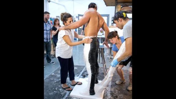 :جديد: شاهد ألبوم صور لكيفية صناعة تمثال سيث رولنز 008_SETH_08182015gd_0281-2808402670
