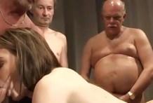 follando con cinco abuelos